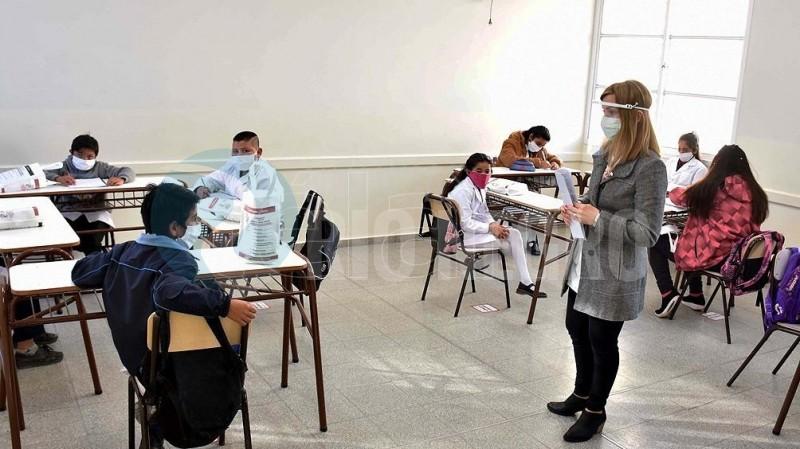 clases, AULA, distanciamiento social, cuarentena, pandemia, Coronavirus