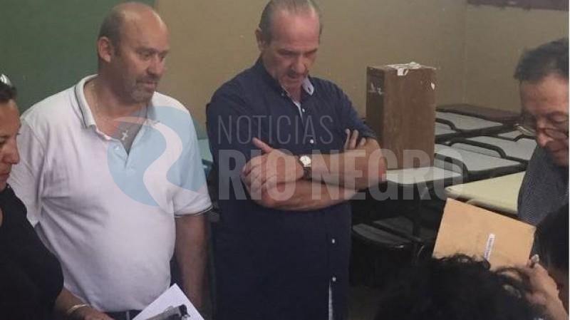 villa regina, FRENTE PARA LA VICTORIA, Carlos Vazzana, interna