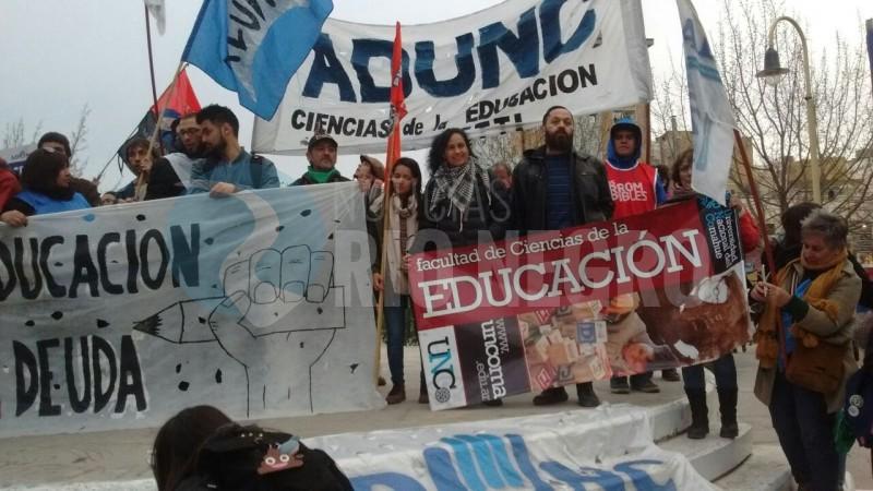 educacion, cipolletti, movilizacion