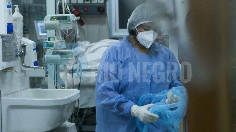 personal de salud, terapia intensiva
