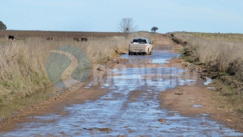 PATAGONES, caminos rurales, lluvia