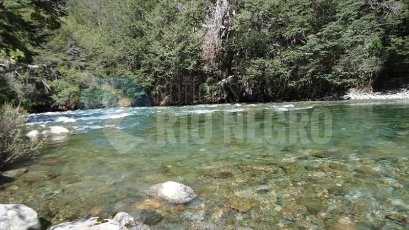 rio azul, lago escondido