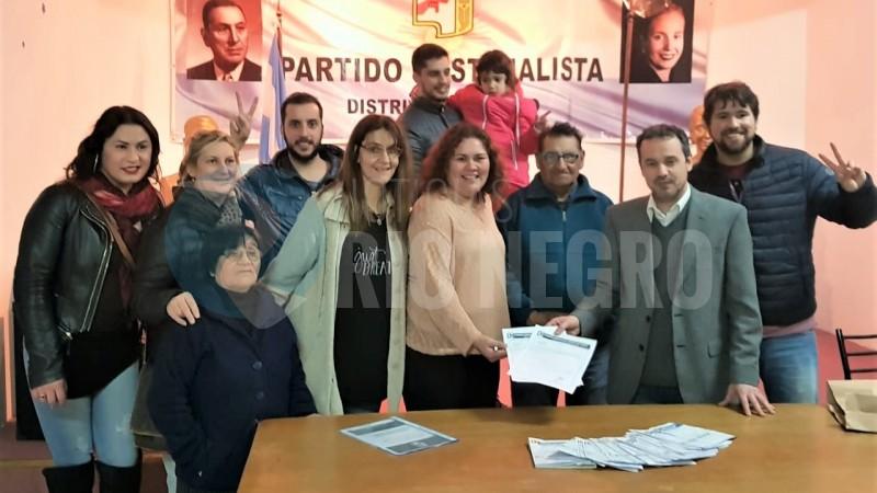 policia viedma, silbana cullumilla, partido justicialista, unidad basica, Martita Castillo