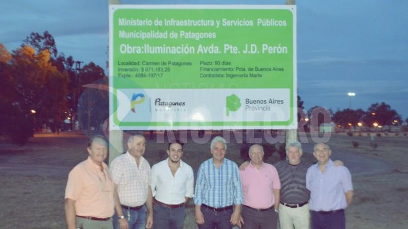 ILUMINACION, PATAGONES, Avenida de la Constitución Nacional