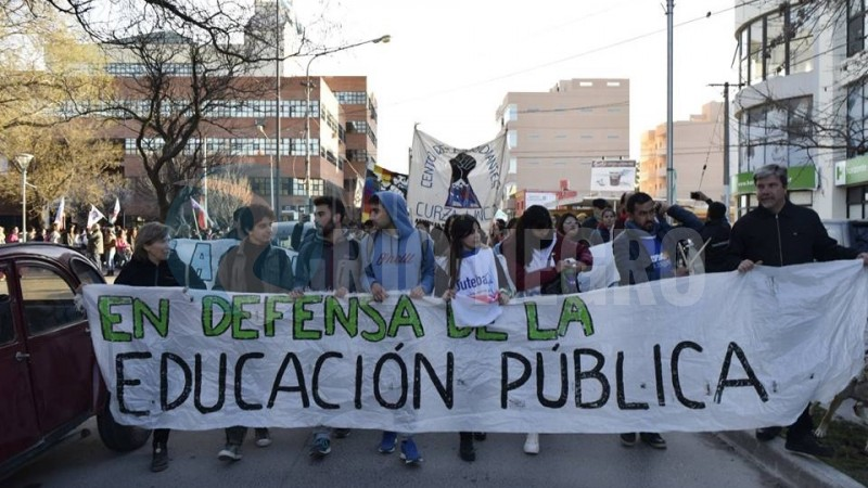 educacion, viedma, marcha