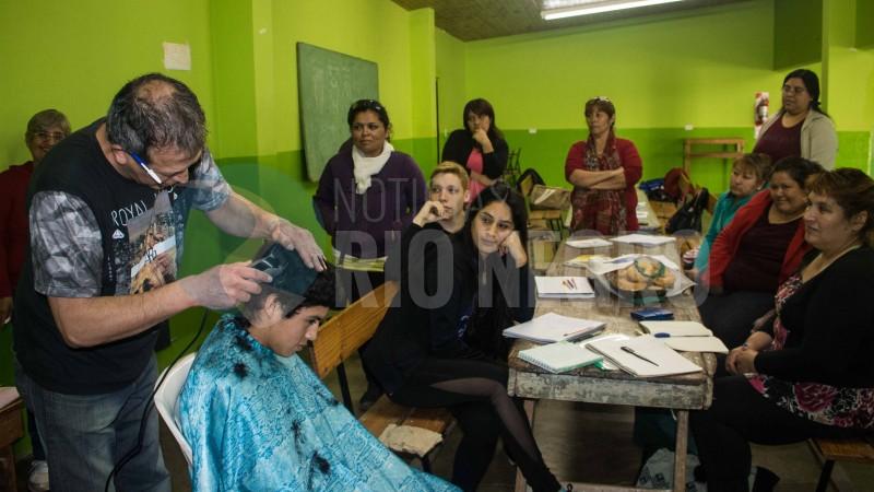 valcheta, CURSO, peluqueria