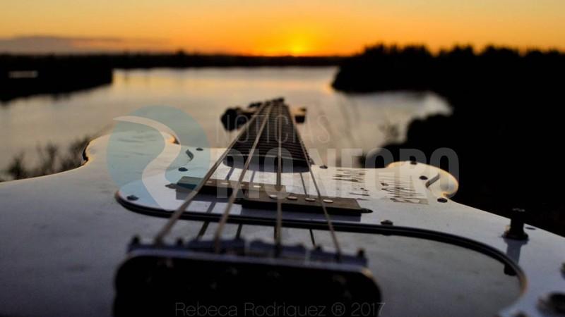 rio negro, guitarra, rebeca rodriguez