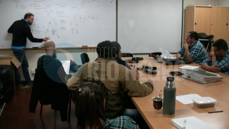 capacitacion, universidad del comahue