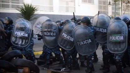 policia represiòn