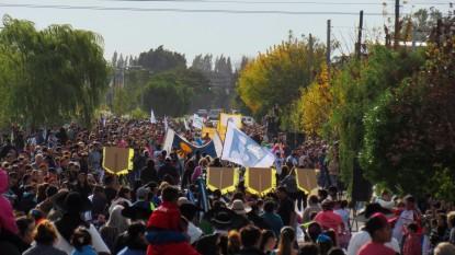desfile aniversario comarca 238