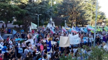 PATAGONES, marcha, docentes