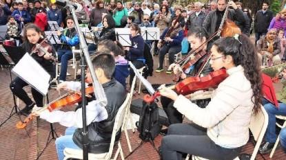orquesta niños aire libre