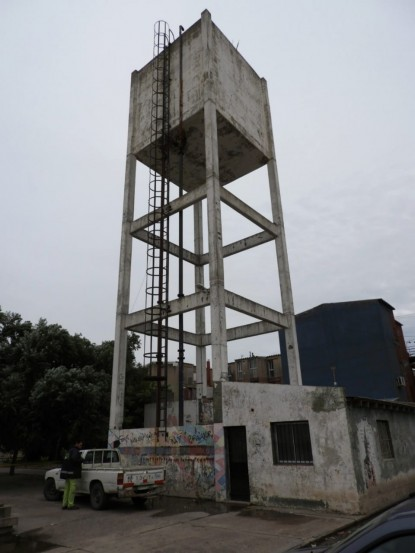 tanque de agua, barrio 20 de junio