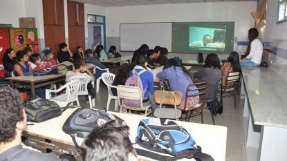 proyector aula alumnos
