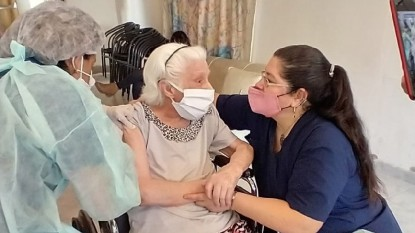hogar de ancianos, vacunación
