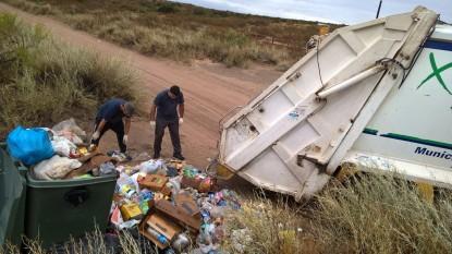 Las Grutas, basurero, clandestino