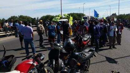 uocra, viedma, Protesta Puente Nuevo, Obra Pública
