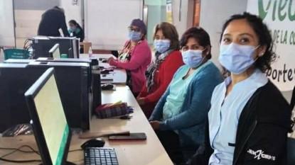 Coronavirus, voluntarias, vacunación