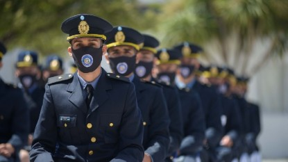 policias, oficiales ayudantes