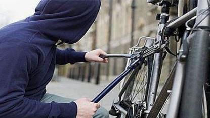 Robo, bicicleta