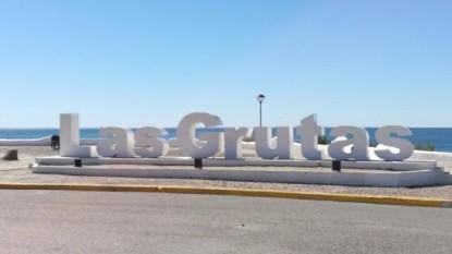 Las Grutas, cartel