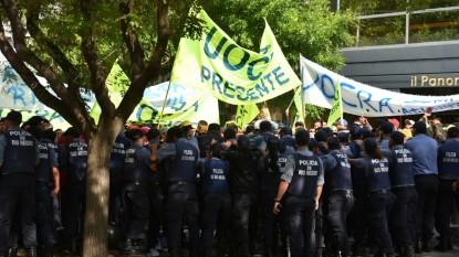 mauricio macri, viedma, protestas