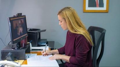 MARIA EMILIA SORIA, firma