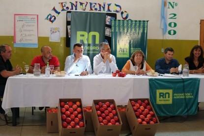 ESTUDIANTES DE VIEDMA, manzana, jara trachhia, producción agroindustria