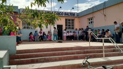 hospital, CINCO SALTOS