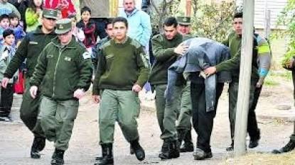 detenidos, policias, daniel solano