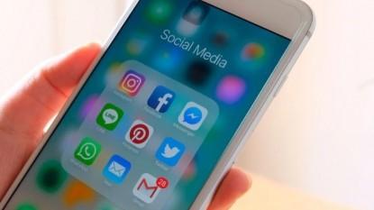 telefono celular, redes sociales